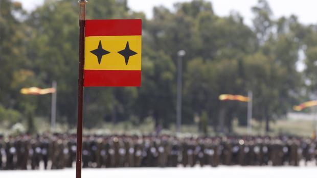 Desfile militar en la base cordobesa de Cerro Muriano
