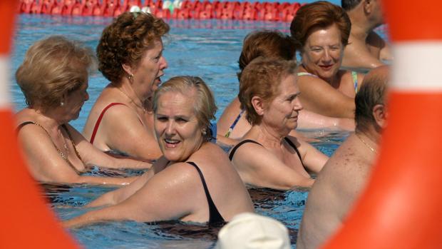 Mujeres participantes en el programa anual de mayores del Ayuntamiento