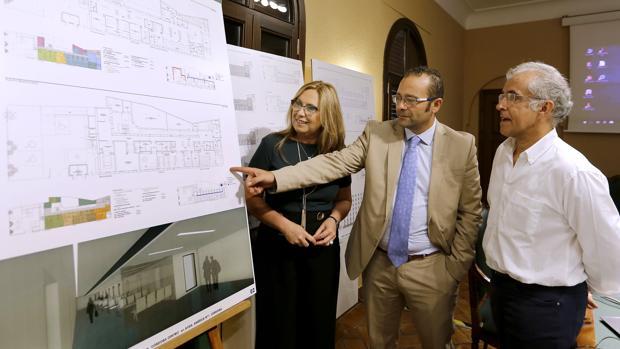La delegada de Salud, durante la presentación del proyecto de reforma del centro de salud de Avenida América