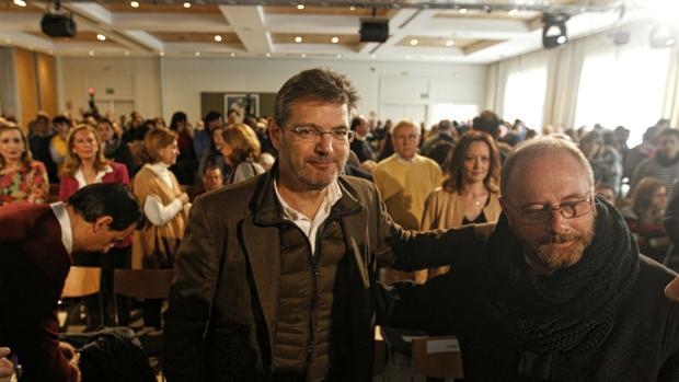 El ministro de Justicia, Rafael Catalá junto a Antonio del Castillo, en la Arruzafa