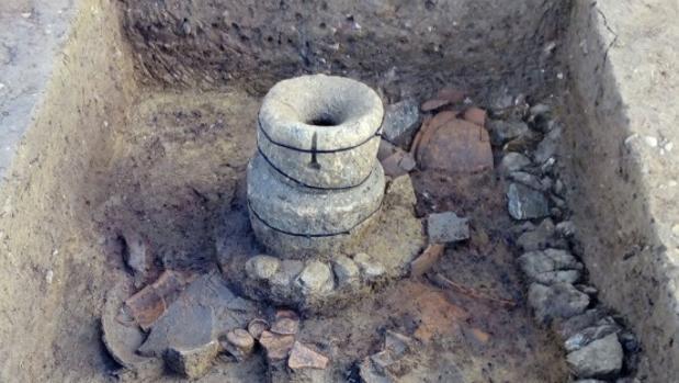 Molino íbero hallado en el asentamiento del pantano de Sierra Boyera