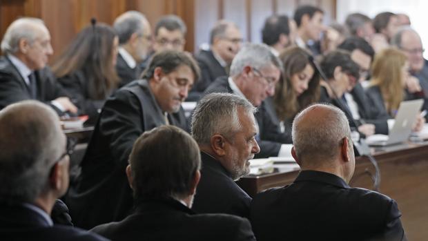 Las defensas de los acusados en el caso ERE