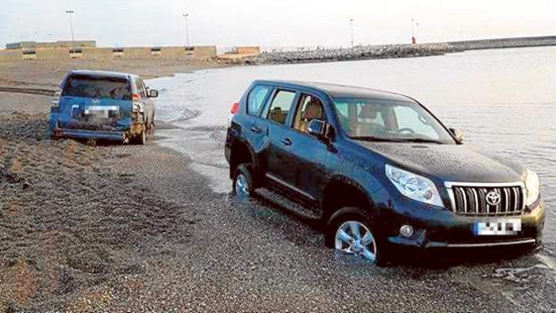 El miércoles hubo una embestida de un coche que cargaba droga en la playa contra otro de la Guardia Civil