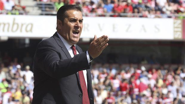 El técnico José Ramón Sandoval, uno de los candidatos a suplir a Romero
