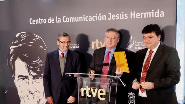 De izquierda a derecha, Rafael Terán, José Antonio Sánchez Domínguez y Gabriel Cruz