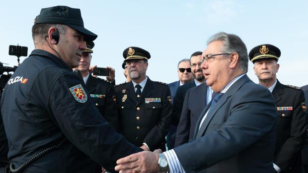 Aumentan las incautaciones de coca na un 300 for Nombre del ministro de interior y policia