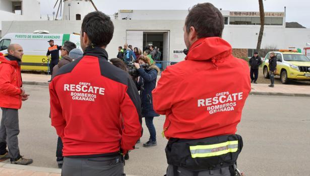 Bomberos de Granada participaban el lunes en la búsqueda de Gabriel