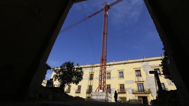 Vista del patio de los carruajes del Palacio Episcopal de Córdoba