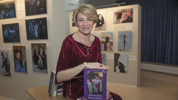 La periodista Irene Gallardo durante la presentación de su libro