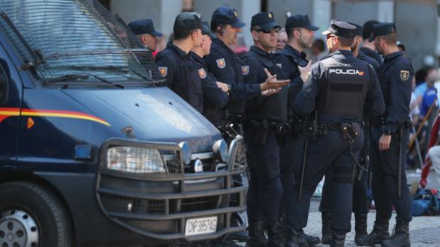 La operación, llevada a cabo por agentes pertenecientes a los equipos de Policía Judicial de Estepona y Coín de la Guardia Civil de Málaga