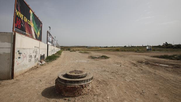 Terrenos donde se tiene que construir el Parque de Levante de Córdoba