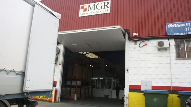 Imagen de la fachada de MGR en un polígono de la capital