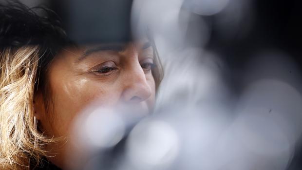 Isabel Ambrosio, durante una rueda de prensa reciente en la calle