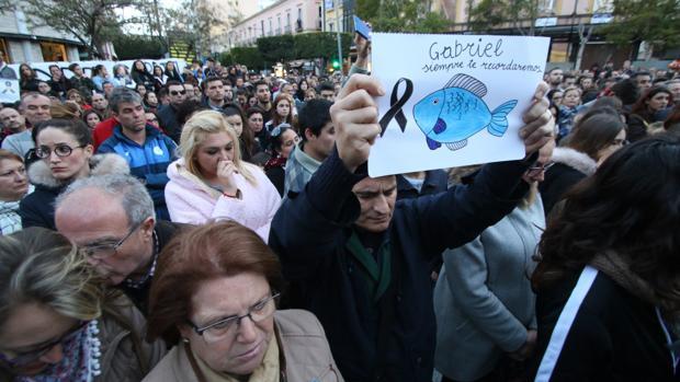Miles de personas se concentran en recuerdo del pequeño fallecido, Gabriel Cruz