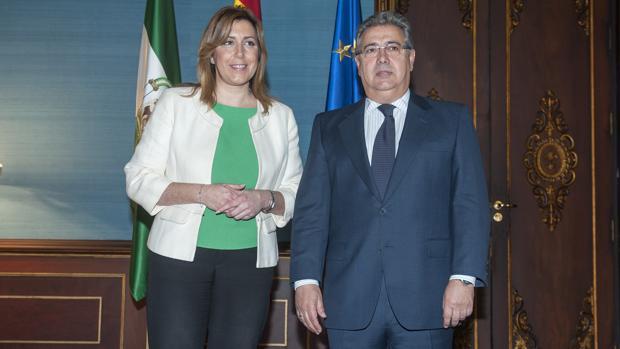 Susana Díaz, presidenta de la Junta de Andalucía, y Juan Ignacio Zoido, ministro del Interior