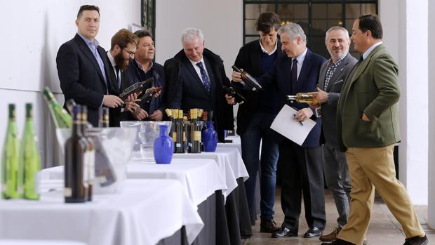 Los particpantes en la Jornadas de Vinos para Profesionales de la Restauración y la Hostelería