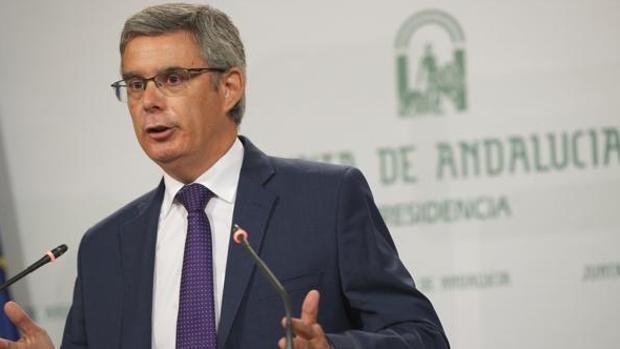 El portavoz del Ejecutivo andaluz, Juan Carlos Blanco, en la rueda de prensa tras el Consejo de Gobierno