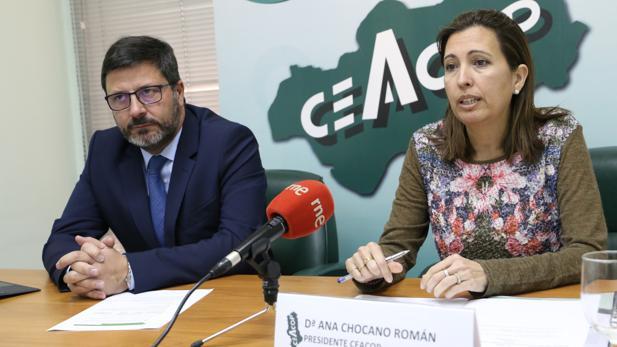 Ana Chocano y Daniel Fernández en la presentación del informe de Ceacop