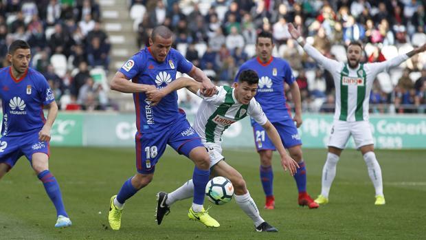 Miguel Loureiro durante el duelo contra el Real Oviedo