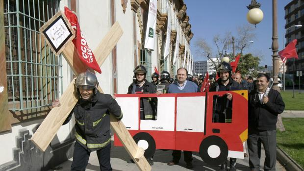 Protesta de los bomberos de la Diputación de Córdoba