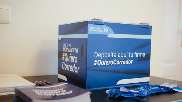 Material de la campaña que los empresarios de Andalucía, Murcia, Valencia y Cataluña han lanzado para revindicar la finalización del proyecto de Corredor Mediterráneo