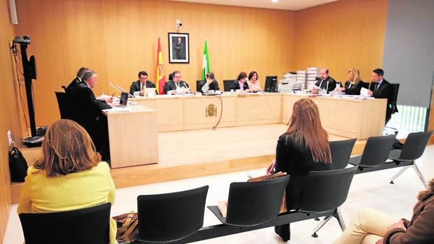 Juicio celebrado en una de las salas de la Ciudad de la Justicia
