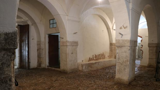 Los afolíes o graneros del Coso, en Lucena, una de las posibles sedes del museo