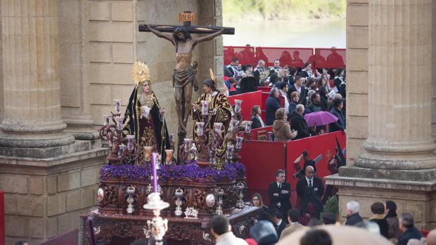 El Cristo de las Penas, en la carrera oficial de la Semana Santa de Córdoba