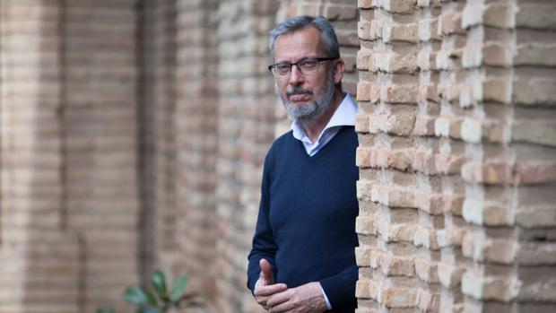 El catedrático de Arqueología Carlos Márquez, en la facultad de Historia