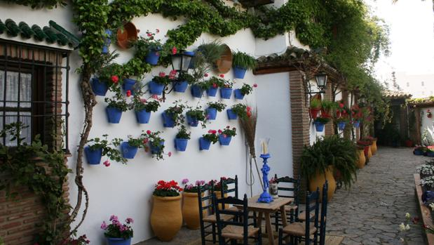 Patio de la calle Empresaria Teresa Córdoba, en Rute, ganador del concurso de Diputación