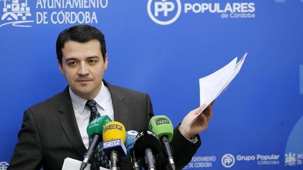 El portavoz municipal del PP y alcaldable popular, José María Bellido, durante una comparecencia