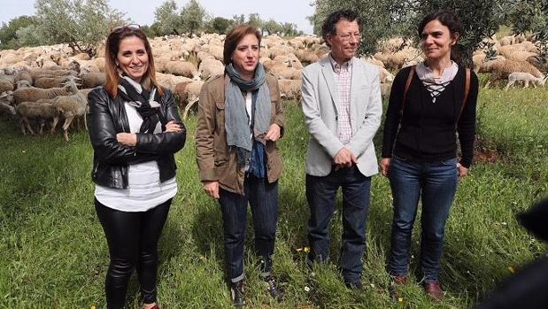 La delegada de la Junta en Granada, Sandra García, junto a Reynaldo F. Manzano, director de la Alhambra