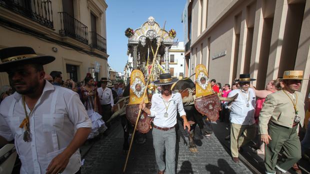 Salida de la hermandad del Rocío en 2017