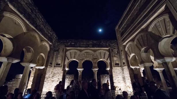 Medina Azahara, de noche