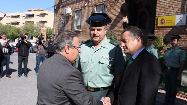 Visita del ministro de Interior al cuartel de la Guardia Civil de Marbella