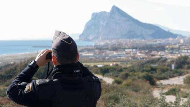 Policía vigila las aguas del Estrecho de Gibraltar