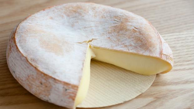 Variedad de queso Reblochón, fabricado en Francia