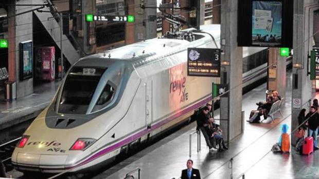 Un AVE en la estación de Córdoba