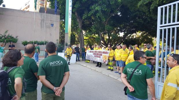 Protesta de los bomberos forestales de la agencia Amaya