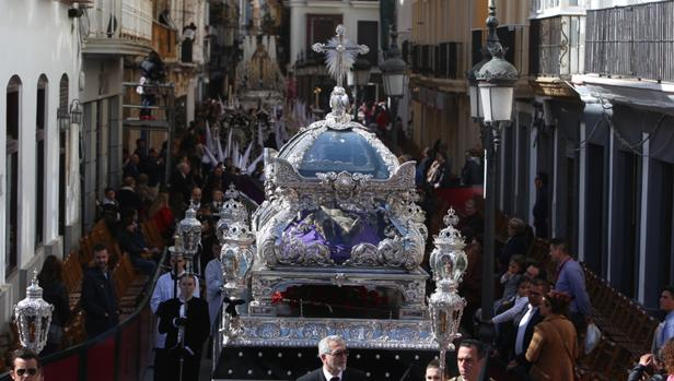 La preciosa urna del Cristo Yacente, el pasado Sábado Santo