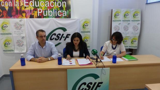 La responsable de Educación CSIF, Elena García, durante una comparecencia