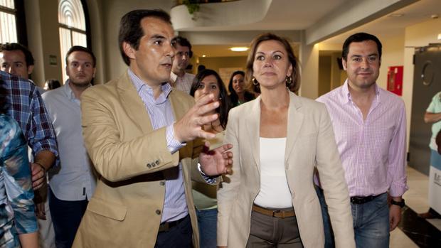 José Antonio Nieto junto a María Dolores de Cospedal y Juanma Moreno en Córdoba en 2014