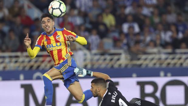 Nacho Vidal marca el segundo gol del Valencia ante la Real en la segunda jornada del curso pasado
