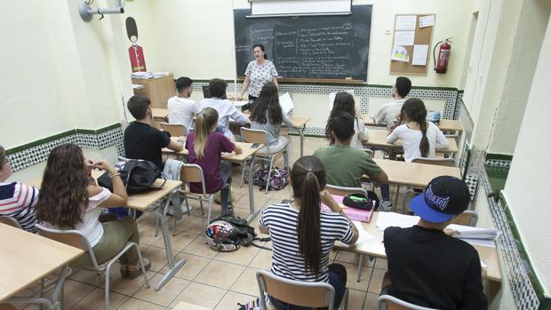 Alumnos en clase en el Instituto Alcántara de Córdoba