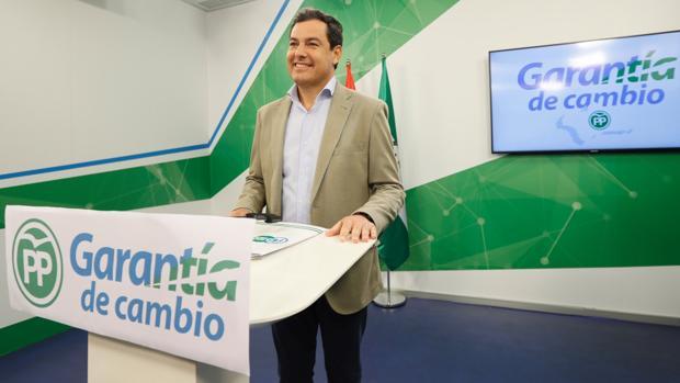 El presidente del PP andaluz, Juanma Moreno, este martes en la sede regional del PP andaluz