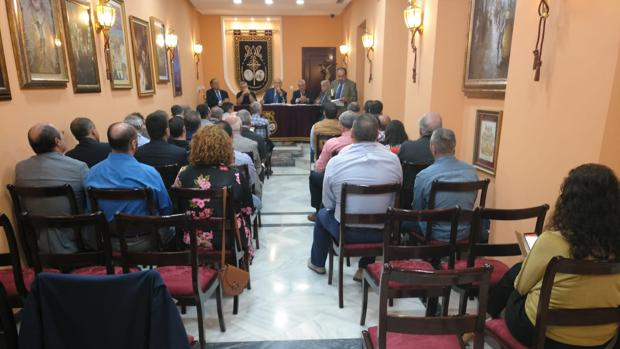 Imagen del pleno en la sede del Consejo en la calle Cobos