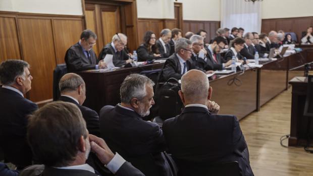 Bancada de las defensas en el juicio del caso ERE