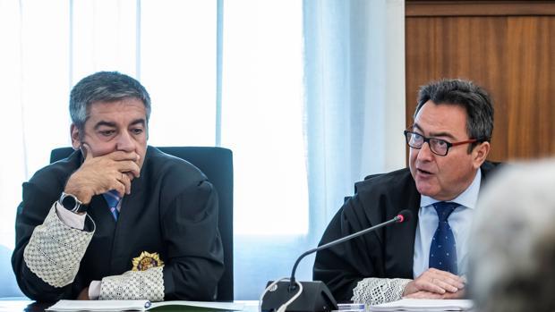 Los fiscales anticorrupción, Juan Enrique Egocheaga y Manuel Fernández Guerra, de izquierda a derecha