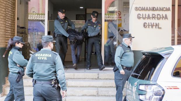 El asesino confeso de Laura Luelmo Bernardo Montoya a la salida de la Comandancia