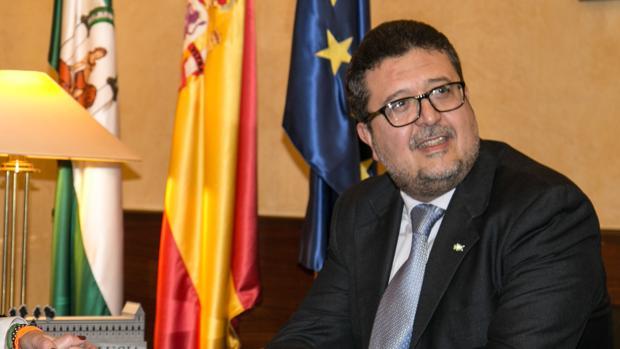 El diputado de Vox Andalucía Francisco Serrano